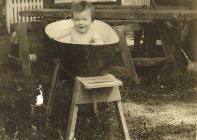 circa 1925 (1 an)