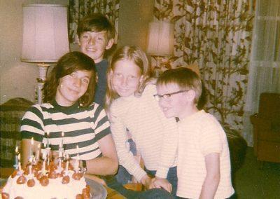 Enfants -Circa1971